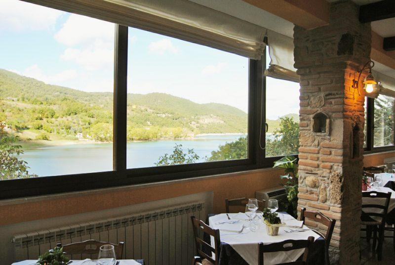 panorama sala ristorante c'era una volta lago del turano