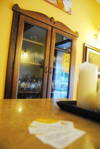 dettaglio sala ristorante c'era una volta lago del turano 8
