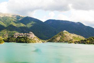 lago del turano castel di tora antuni
