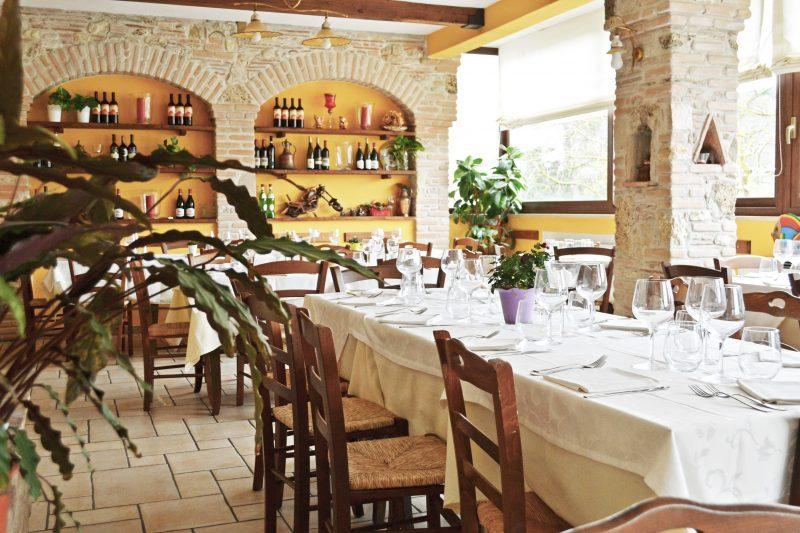 foto sala ristorante c'era una volta lago del turano 4