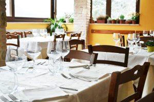 dettaglio sala ristorante c'era una volta lago del turano 7