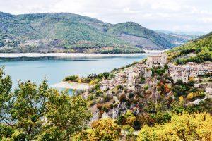 castel di tora lago del turano